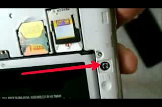 Lubang kecil HP Android