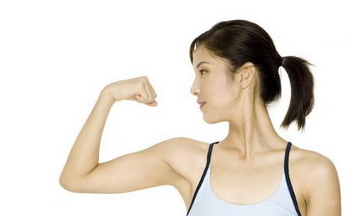 10 Cara Memperbesar Otot Lengan Atas dan Bawah Secara Alami