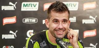 'Atlético deve, nega e não paga nem quando puder'