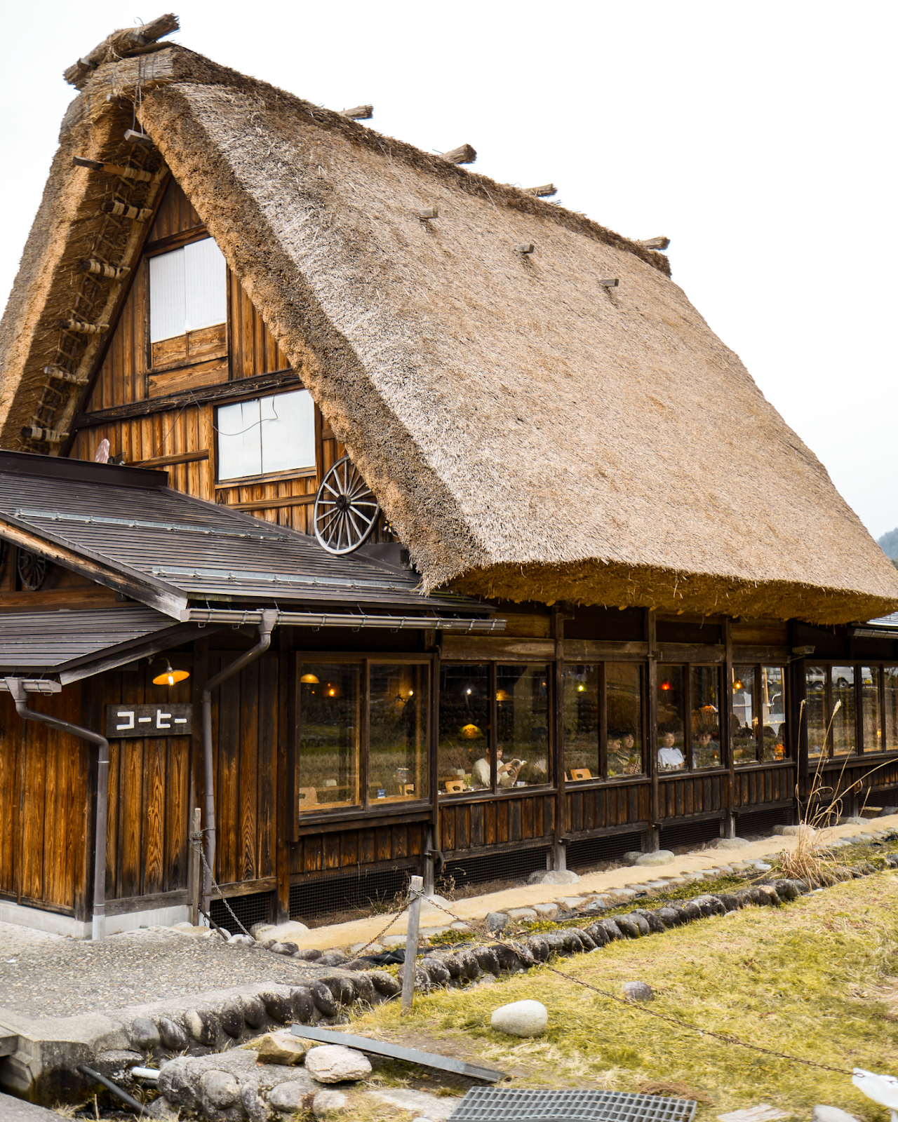 Shirakawago, UNESCO site in Japan, Kanazawa trip from Tokyo, must-visit cities in Japan, photogenic and charming towns in Japan - FOREVERVANNY