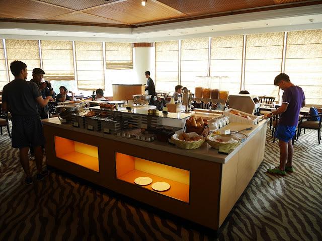 Sarapan di Hotel Aryaduta Bandung