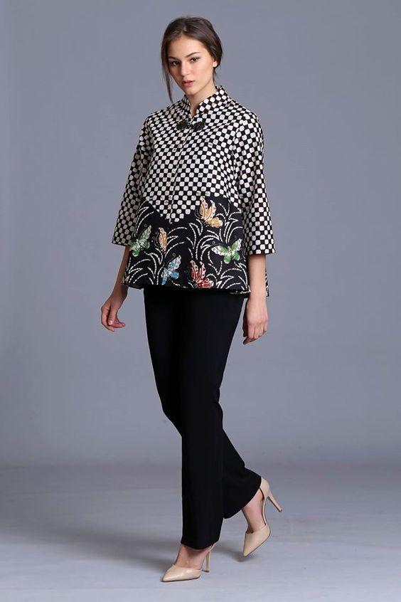 Cover Up in Style   7 Inspirasi Model Baju Batik Wanita Terbaru 2018 ... f53fdc3d93