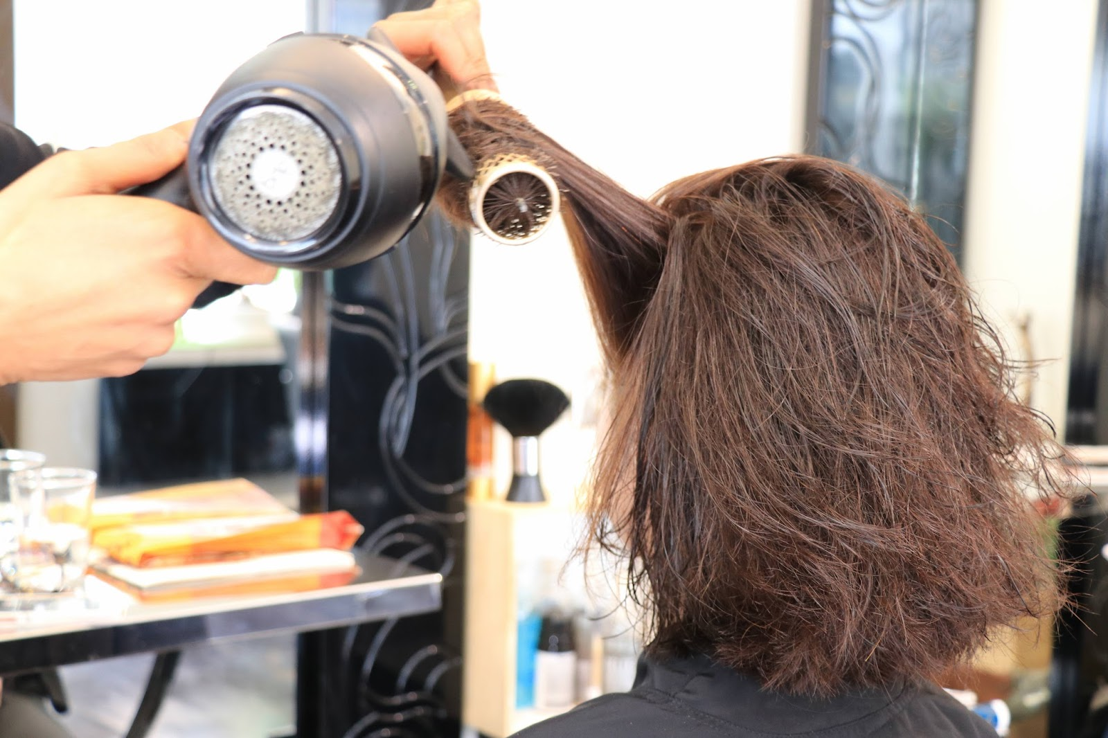 les gommettes de melo gommette beaute bio coloration végétale cheveux naturel plante sans agent chimique biologique coiffeur salon de coiffure rouge garance blond cuivre couvrir les cheveux blancs