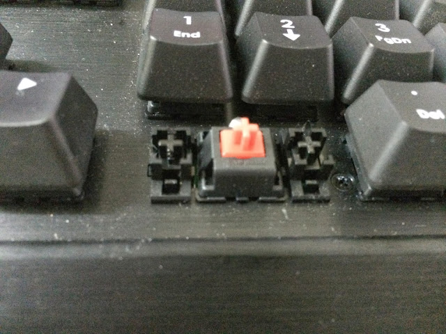 Corsair Vengeance Series Mechanical Keyboard Round Up 215