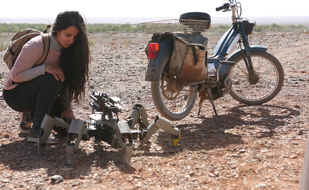Filme 'Olhos no Deserto': inspirador, longa traz um Romeu e Julieta em era de tecnologia e distanciamento