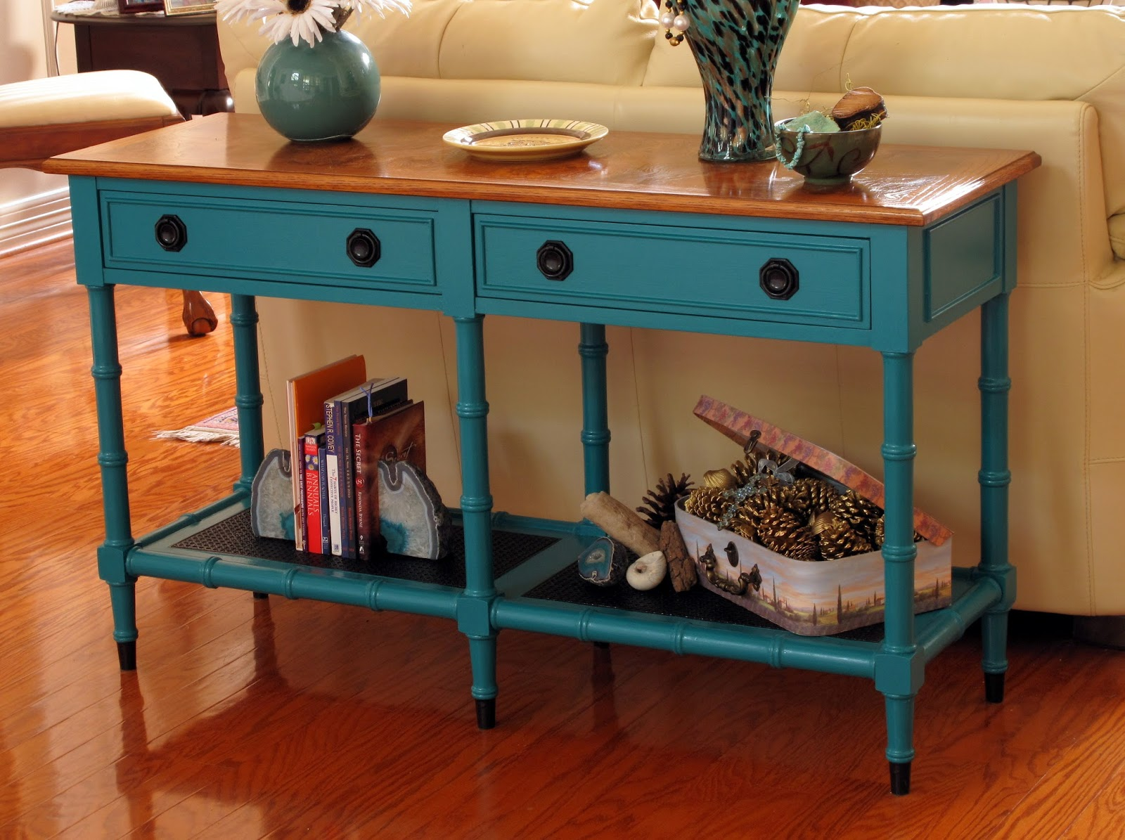 Just Judy : Sofa Table Makeover