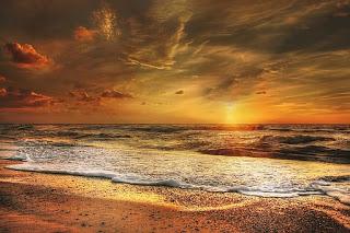 17 Ayat Al-Quran Tentang Langit
