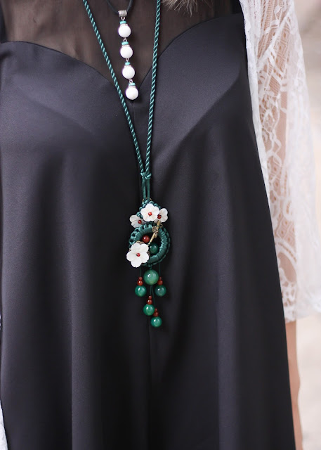 Green Floral Pendant Necklace