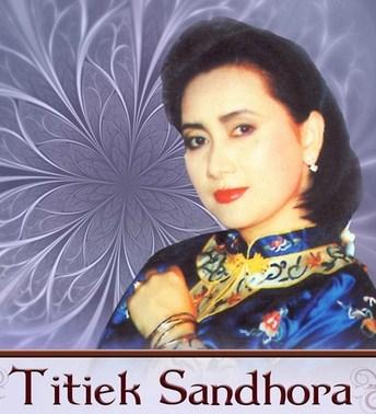 Koleksi Full Album Lagu Titiek Sandhora mp3 Terbaru dan Terlengkap