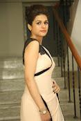 shraddha das latest glamorous photos-thumbnail-19