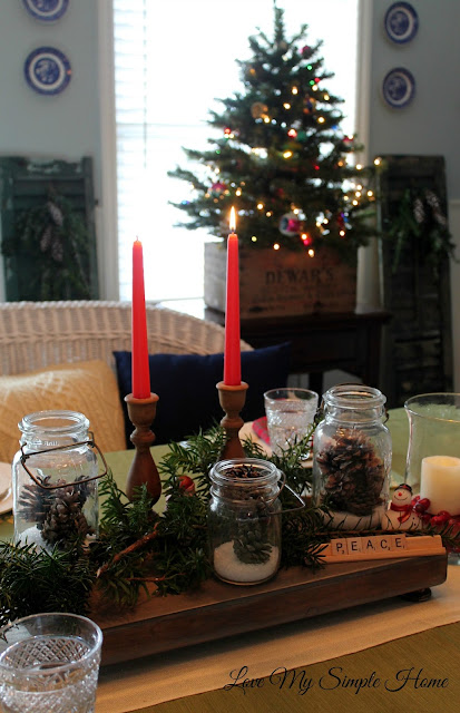 rustic-dining-room-decorated-for-Christmas-blog.love-my-simple-home
