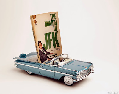 Meme de humor sobre el libro The Humor of JFK