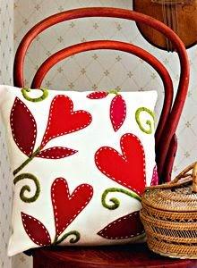 Plantilla gratis para decorar un cojín con fieltro o con retales de tela