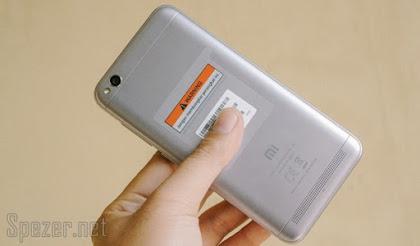 Sisi belakang Xiaomi Redmi 5A Dark Grey