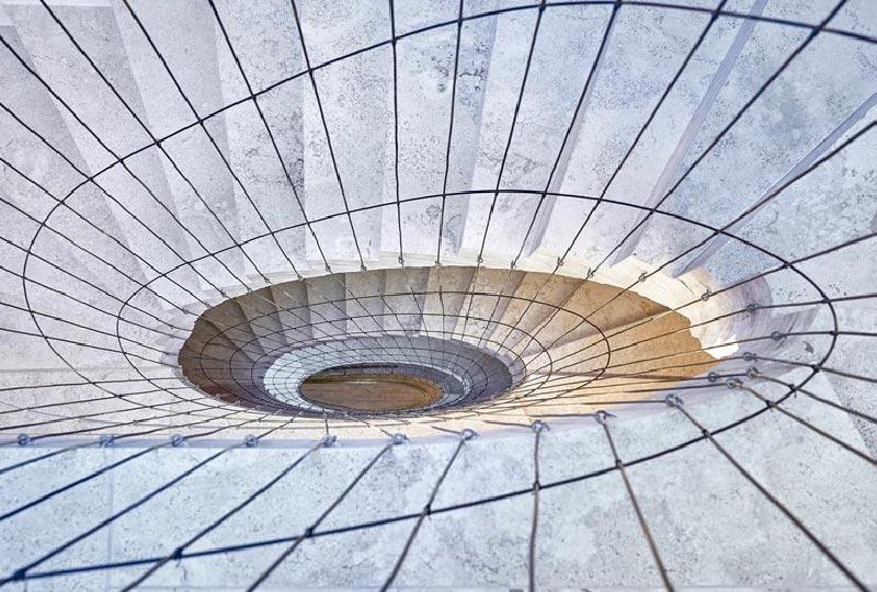 scala in travertino italiano
