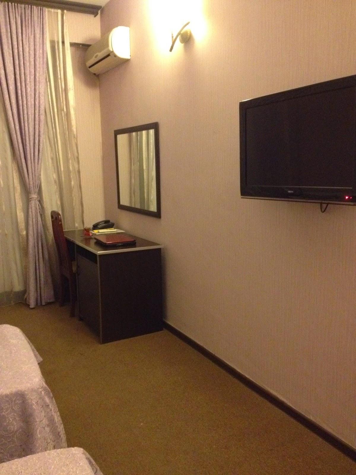 アゼルバイジャンの三流ホテルの部屋