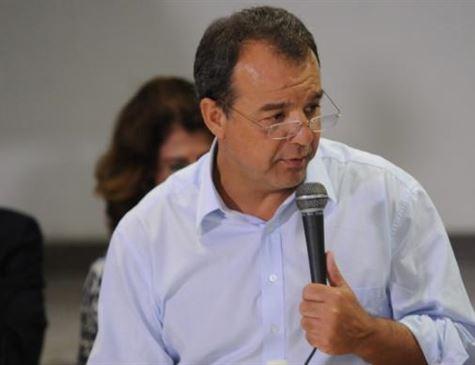 Cabral admite propina e diz que ex-secretário bancou seus familiares após prisão