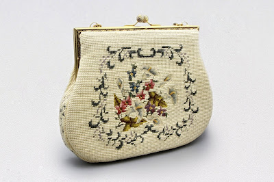 Art Deco Needlework Tapestry Purse with Metal Clasp 9286027d503c