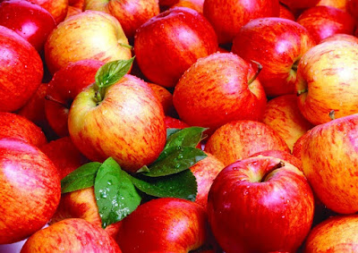 Benefits of Apple for Vomiting, Migraine, Headache, Viral Fever, Insomnia, Acidity in Hindi