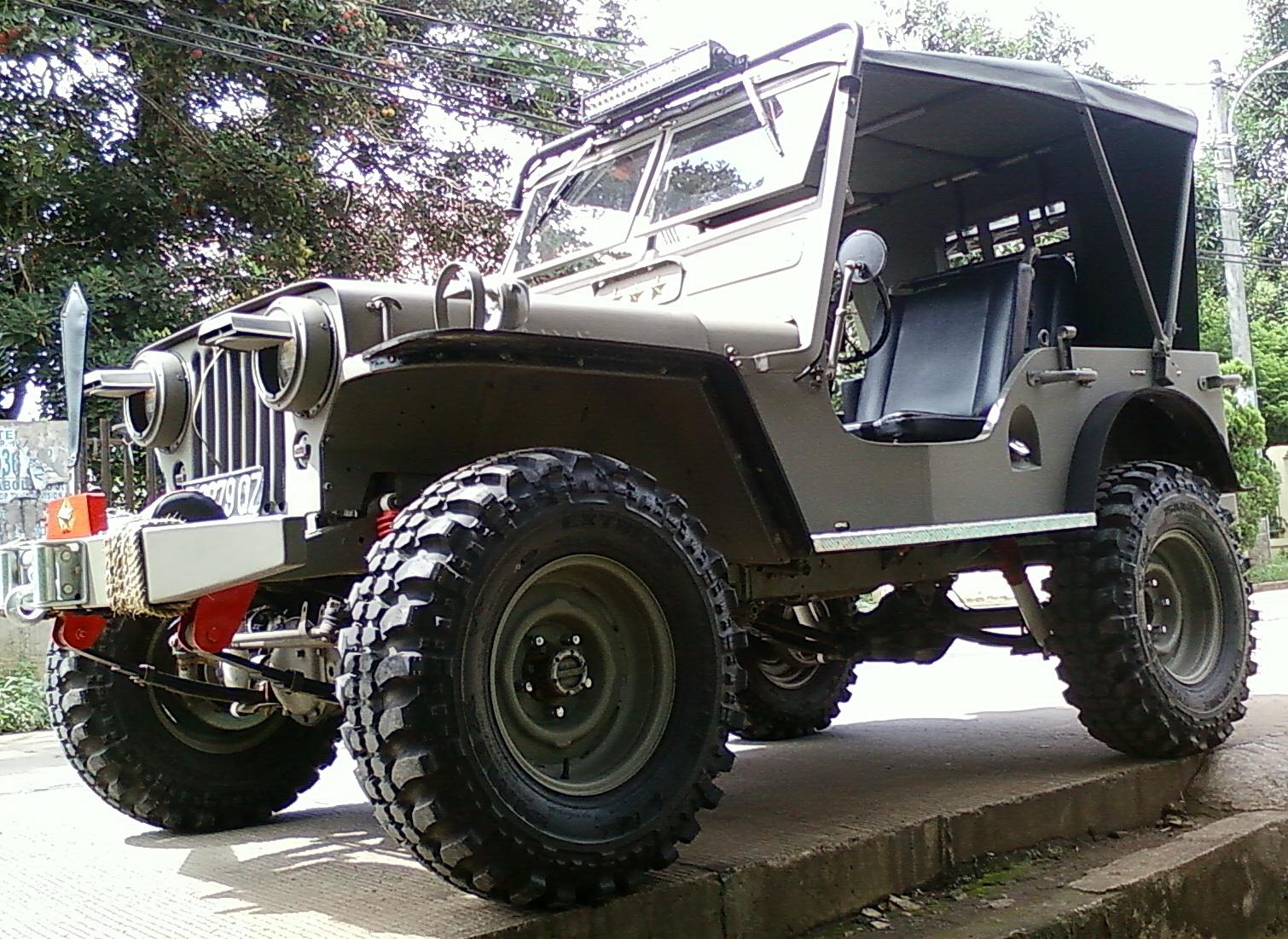 Foto Mobil Jeep Tua Modifikasi Mobil