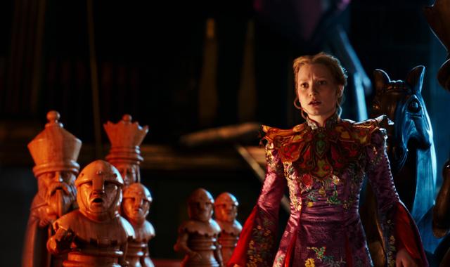 Nuevo vídeo de 'Alicia a través del espejo' con presentación de Tim Burton