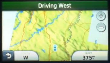 Τι θα συμβεί αν ανοίξουμε το GPS ενώ βρισκόμαστε σε αεροπλάνο! (video)