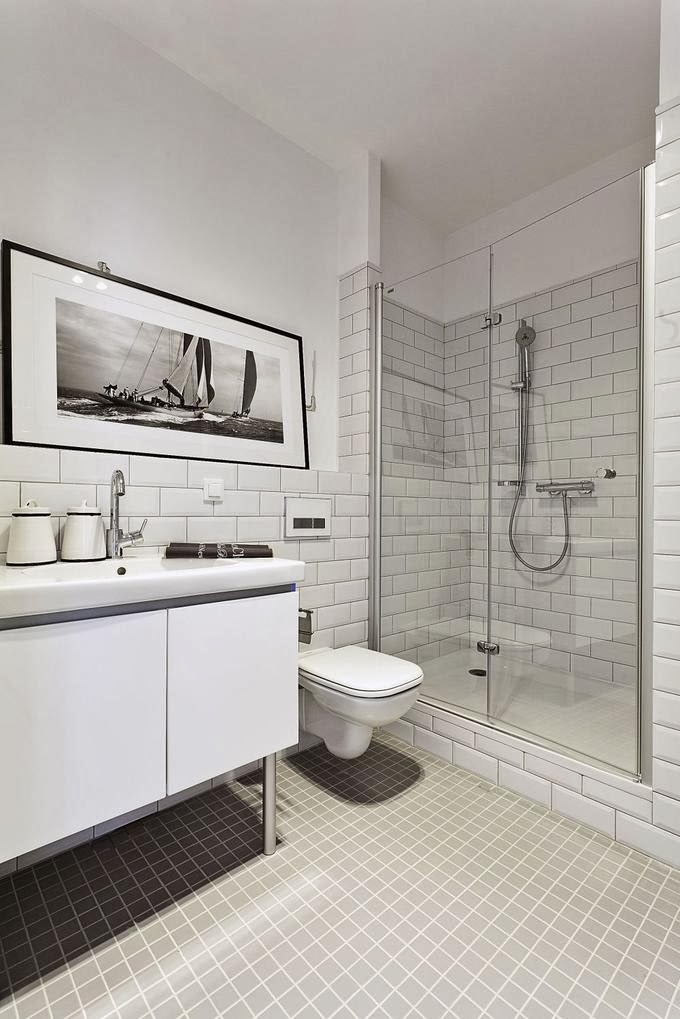 Our Very First Apartment Przechowywanie W łazience