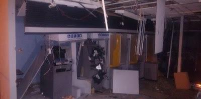 Suspeitos de explodirem banco na Paraíba são presos escondidos em baú de caminhão