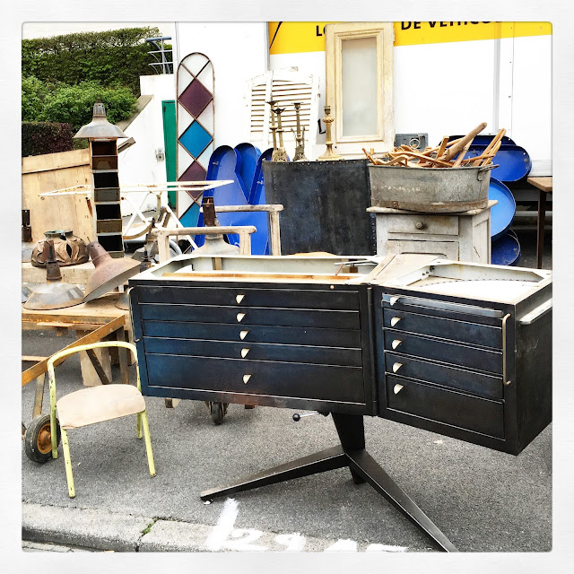 Meuble de dentiste / Brocante d'Amiens, avril 2016 / Photos Atelier rue verte /