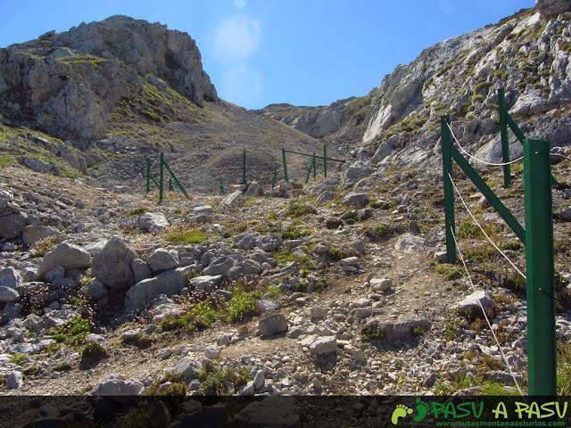 Cierres protectores de cuevas en Andara