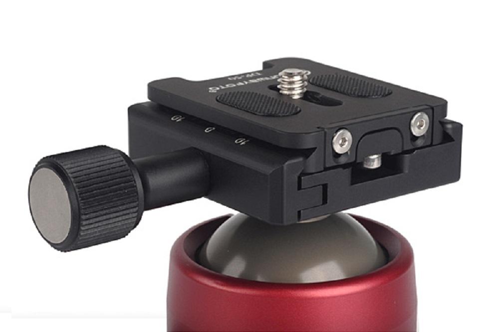 Sunwayfoto DP-50 QR plate clamped on 50 mm QR clamp