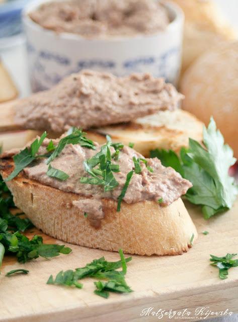 crostini, grzanka, tost, kanapka na gorąco, wątróbka, pasztet, daylicooking, Małgorzata Kijowska