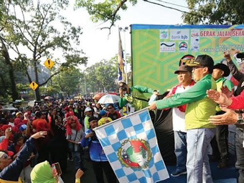 Gerak jalan hari koperasi Kota Bandung