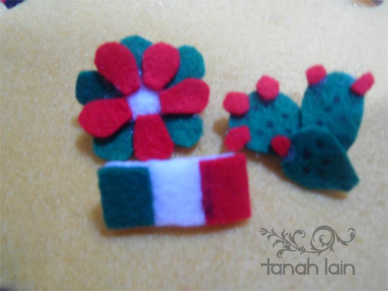 3 pines con motivos de las fiestas patrias