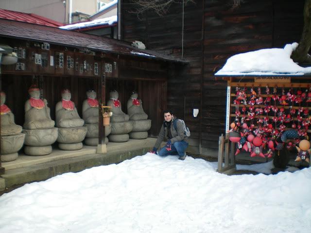 Sarubobos en un templo de Takayama
