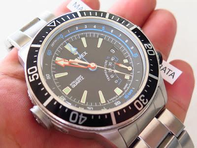 Cocok untuk Anda yang menginginkan jam tangan dengan ukuran Huge mantap..  dengan fitur Diving watch.... TIMEX INTELLIGENT DIVER 200m DEPTH GAUGE  SENSOR 0dbb7cd729