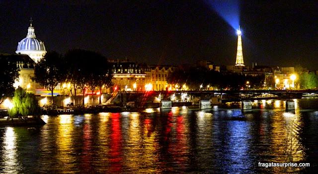 Vista noturna de Paris