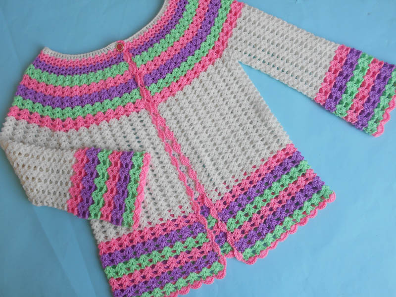 2e15d71bb25104 The Crocheted sweater pattern share with the same video instruction. This  cute and easy pullover wears for young girls are perfect them in both  season ...