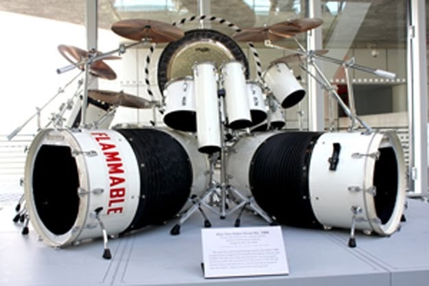 Hennemusic Alex Van Halen S Drum Kit Enters Rock Hall Of Fame Museum