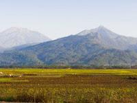 Gunung - Gunung Angker di Jawa Tengah