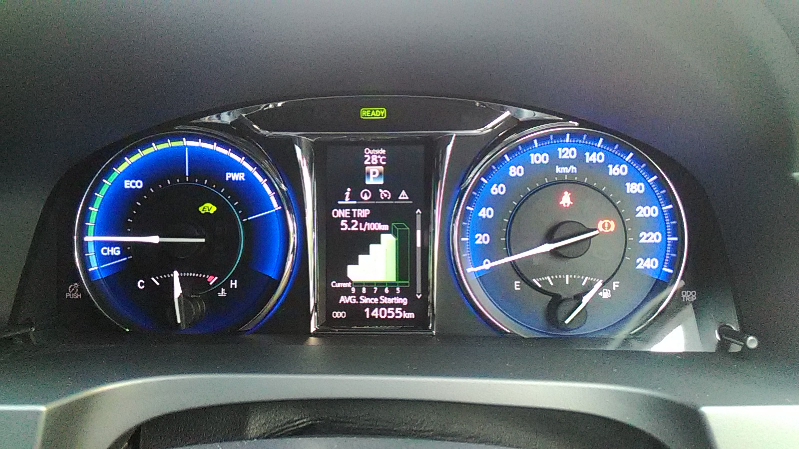 Toyota Camry Hybrid Fuel Consumption At 5 2 Litre Per 100 Kilometers
