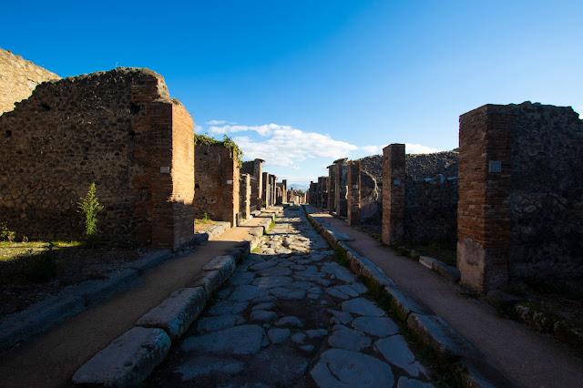 Strada-Scavi di Pompei