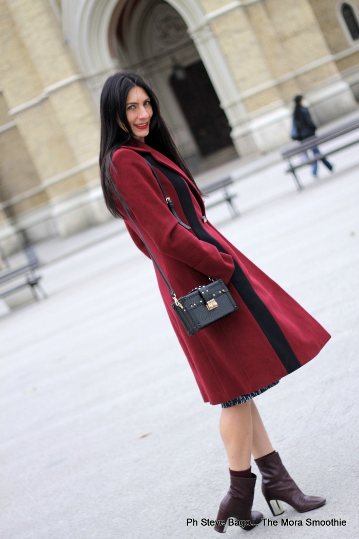 paola buonacara, fashion, fashionblog, fashionblogger, italian fashion blog, italian fashion blogger, outfit, look, ootd, novi sad, serbiafashionweek, serbia, sfw, fashion week, bordeaux, abbinare stile anni '50 e renderlo moderno, cappotto anni '50, tronchetti bordeaux, tronchetti zara, cappotto bordeaux, burgundy, la moda del burgundy