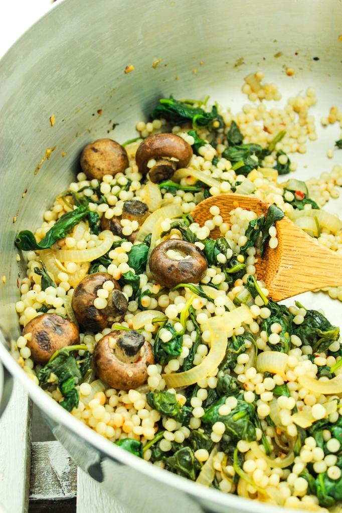 Reteta de couscous cu ciuperci Champignon si spanac