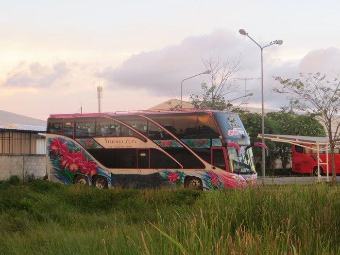 Супер автобус Таиланда