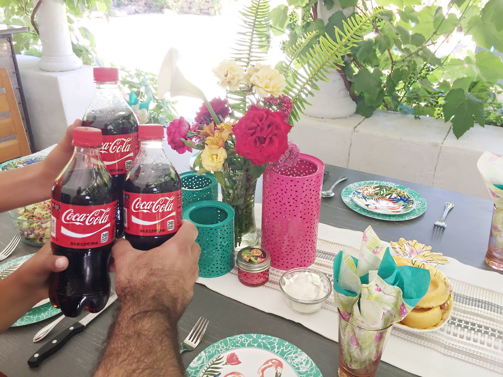 The Perfect Backyard Family Gathering with the perfect tablescape, sweet and savory BBQ Sauce Recipe and an Ice Cold Coca-Cola.