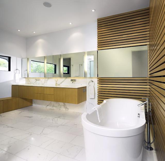 kamar mandi panel kayu dan batu