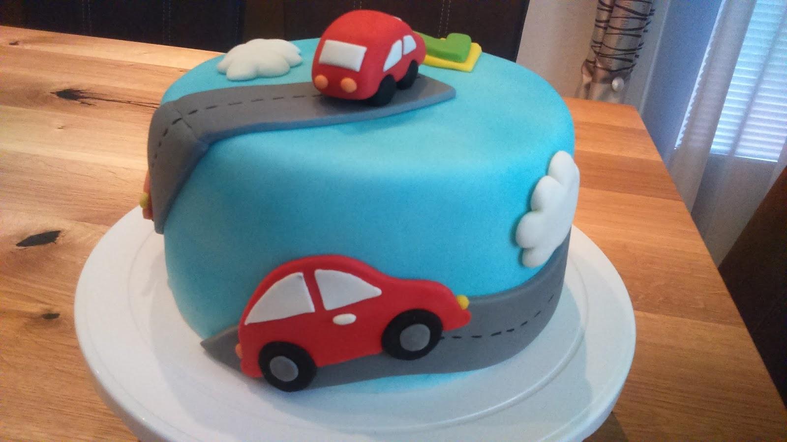 Kaccy S Lounge Eine Feine Geburtstagstorte Zum 2 Geburtstag