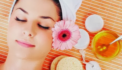 6 Manfaat Madu Bagi Kecantikan Wajah