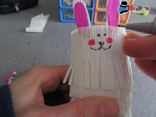come realizzare un coniglietto in carta crespa